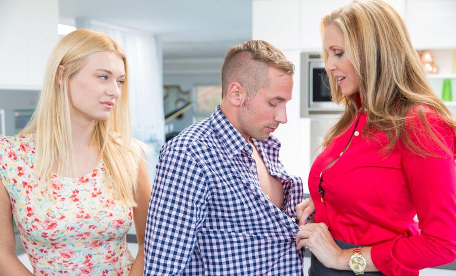 Ulia ann seduced her sons boyfrend hard porn -