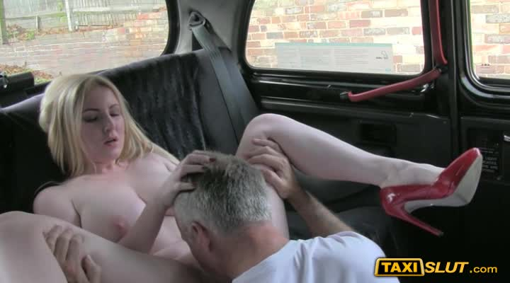 фото секс в такси